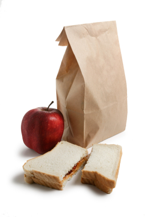 iStock 000001077786XSmall Saving Money by Taking Your Own Lunches to Work