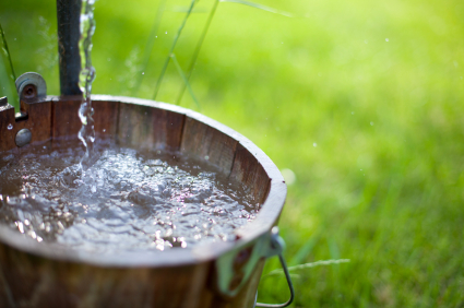 iStock 000016557110XSmall How to Save Money on Water Costs