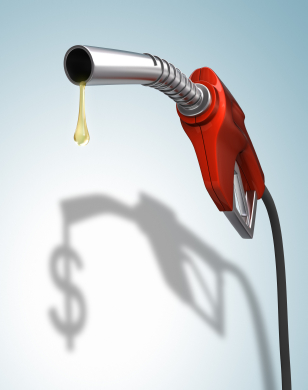 iStock 000007009293XSmall Is Filling the Tank Emptying your Wallet?