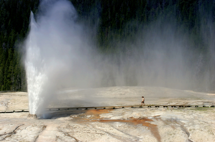 How to Save Money Visiting Yellowstone National Park