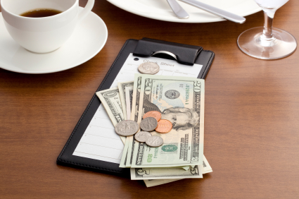 iStock 000018298576XSmall 7 Ways to Save Money When Dining Out