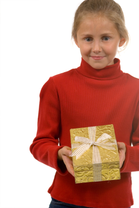 iStock 000002449353XSmall Teaching Kids The Power Of Giving This Holiday Season