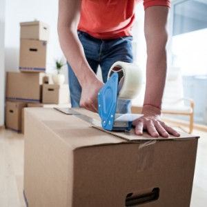 iStock 000020512114XSmall 300x300 5 Ways to Cope with Moving Back Home
