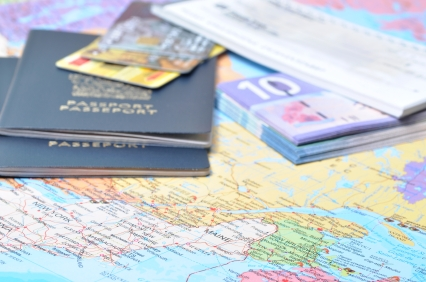 Ways to Save on Travel Without Using Rewards Credit Cards