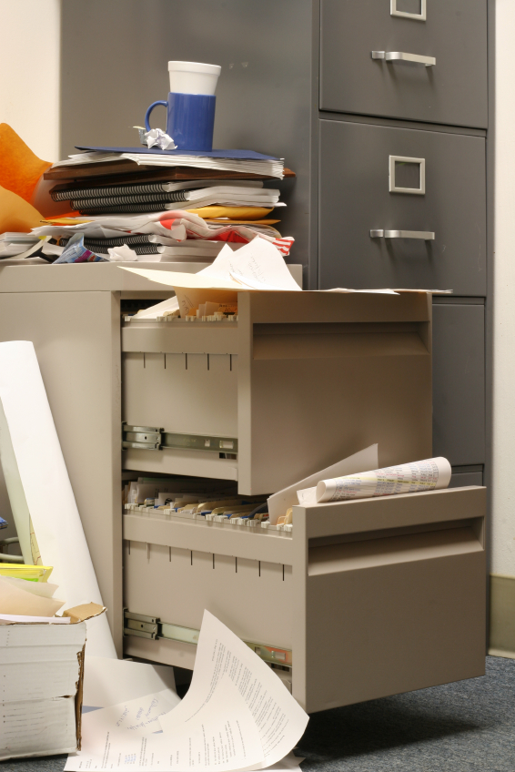 3 Tips for Getting Rid of Clutter and Organizing Your Home