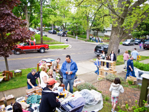 10_0501 Westnedge Hill Garage Sale 6